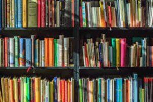 Historische Bücher, Filme und Spiele