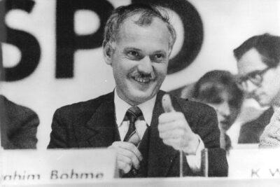 02.04.1990: Ibrahim Böhme tritt zurück.
