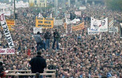 04.11.1989: 500000 Menschen auf Groß-Demo in Ost-Berlin