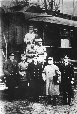 11.11.1918: Waffenstillstandsabkommen wird in Compiegne unterzeichnet.