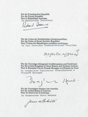 12.09.1990: Zwei-plus-Vier-Vertrag wird unterzeichnet.
