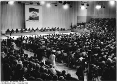 16.12.1989: SED wird zu SED/PDS