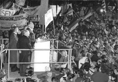 19.12.1989: Modrow empfängt Kohl in Dresden