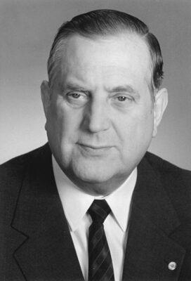 22.11.1989: Machenschaften von Schalck-Golodkowski werden bekannt