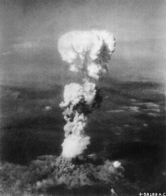 """Atompilz von """"Little Boy"""" über Hiroshima (6. August 1945)"""