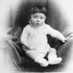 Rettete die Fügung der Vorsehung schon den kleinen Hitler vorm Ertrinken ?